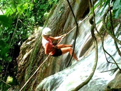 Actividades Recreativas - Rappel en Cascada