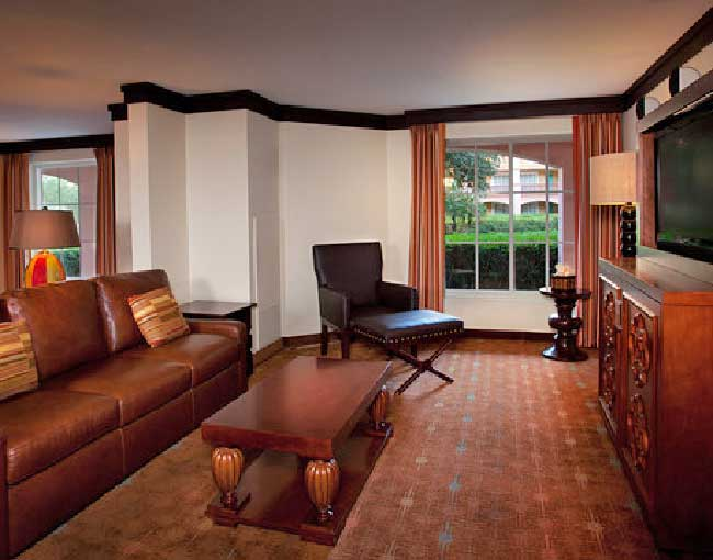 Disneys-Coronado-One-Bedroom-Suite-King Disney's Coronado Springs Resort