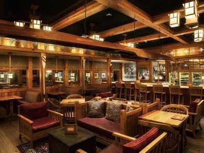 Crew's Cup Lounge Bar Disney's Yacht Club Resort