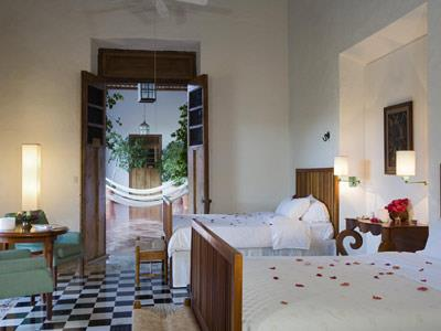 Non-Smoking Superior Room:Luxury Bed:Heritage Buil