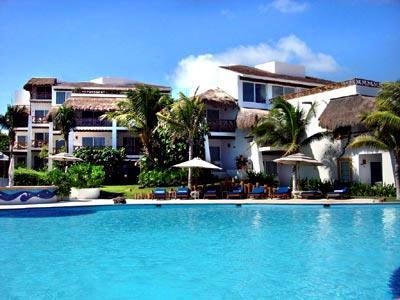 Pool - Bungalow style Buildings