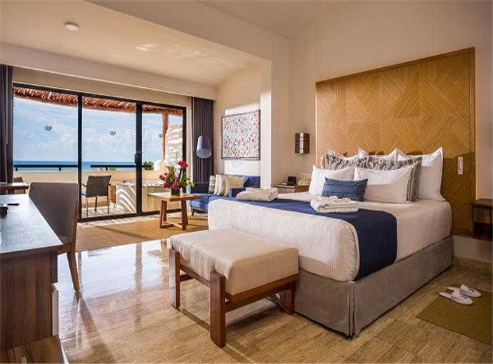 Preferred Club Junior Suite King Frente al Mar